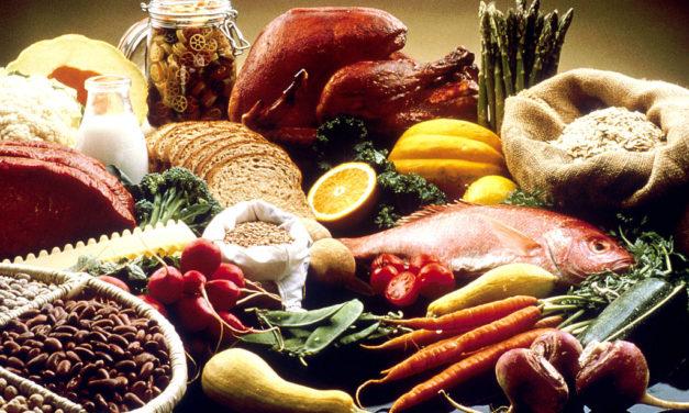 ¿Qué tipo de alimentación debo de tener antes de dormir? ¿algún alimento inhibe el sueño?