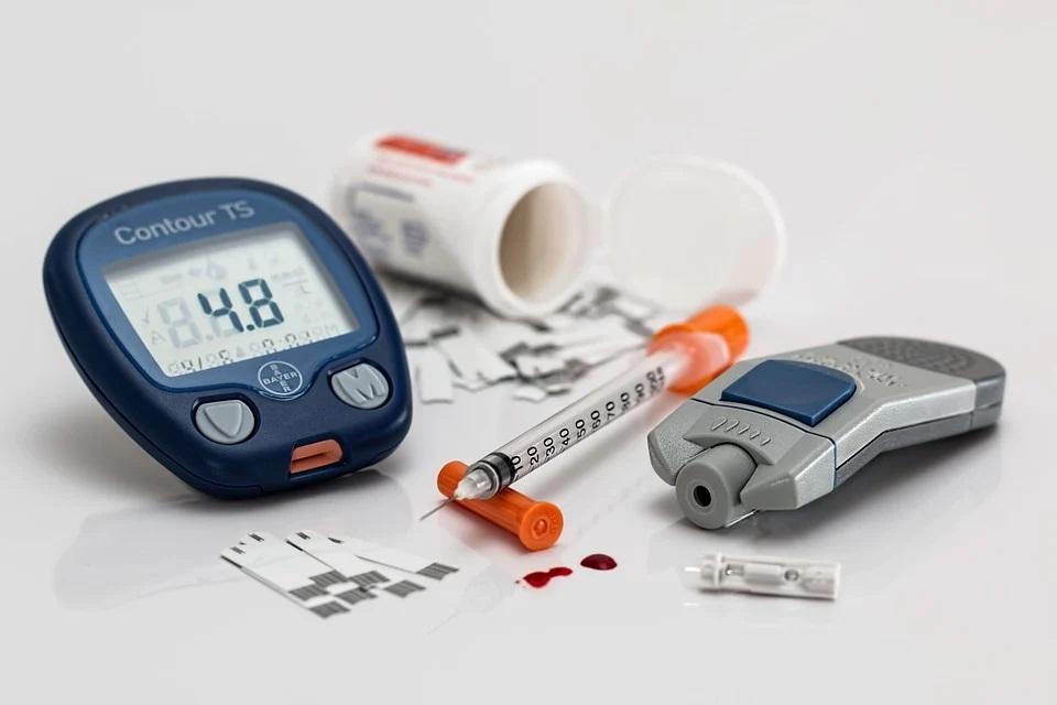 El tratamiento de la apnea del sueño mejora  el control de la diabetes.